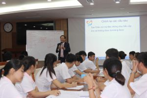 dao tao TNG1 300x200 Chương trình đào tạo Kỹ Năng Giao Tiếp Bán Hàng cho Tập đoàn TNG