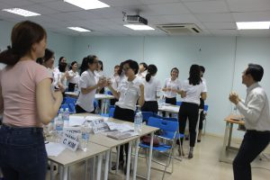 dao tao TNG13 300x200 Chương trình đào tạo Kỹ Năng Giao Tiếp Bán Hàng cho Tập đoàn TNG