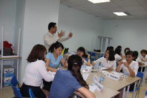 dao tao TNG16 300x200 Chương trình đào tạo Kỹ Năng Giao Tiếp Bán Hàng cho Tập đoàn TNG