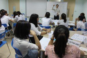 dao tao TNG17 300x200 Chương trình đào tạo Kỹ Năng Giao Tiếp Bán Hàng cho Tập đoàn TNG
