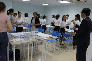 dao tao TNG3 300x200 Chương trình đào tạo Kỹ Năng Giao Tiếp Bán Hàng cho Tập đoàn TNG