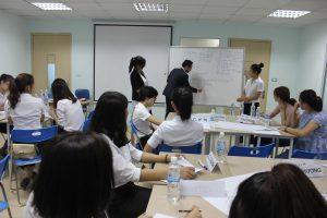 dao tao TNG6 300x200 Chương trình đào tạo Kỹ Năng Giao Tiếp Bán Hàng cho Tập đoàn TNG