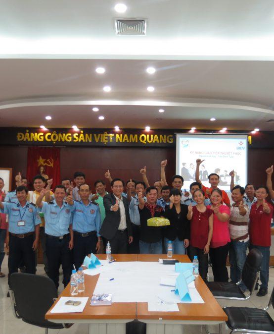"""Chương trình đào tạo """"Kỹ Năng giao tiếp thuyết phục"""" cho BIDV Bình Dương"""