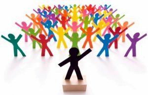 Kỹ Năng Thuyết Trình Trước Đám Đông 300x193 Học kỹ năng thuyết trình trước đám đông hay như TS.Lê Thẩm Dương