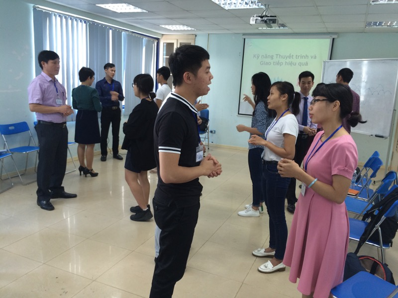 hinh anh dao tao ky nang giao tiep va thuyet trinh ha noi 19 11  Đào tạo Public: Kỹ năng giao tiếp và thuyết trình tại Hà Nội ngày 19/11/2016