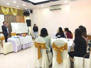 IMG 0612 300x225 Đào Tạo Kỹ Năng Bán hàng và chăm sóc khách hàng chuyên nghiệp Cho VCCI Đà Nẵng