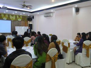 IMG 1152 300x225 Đào Tạo Kỹ Năng Bán hàng và chăm sóc khách hàng chuyên nghiệp Cho VCCI Đà Nẵng