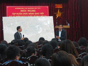 IMG 0207 300x225 Đào Tạo Kỹ Năng Giao Tiếp và Phục Vụ Khách Hàng Cho Agribank Hà Tây, Hà Nội