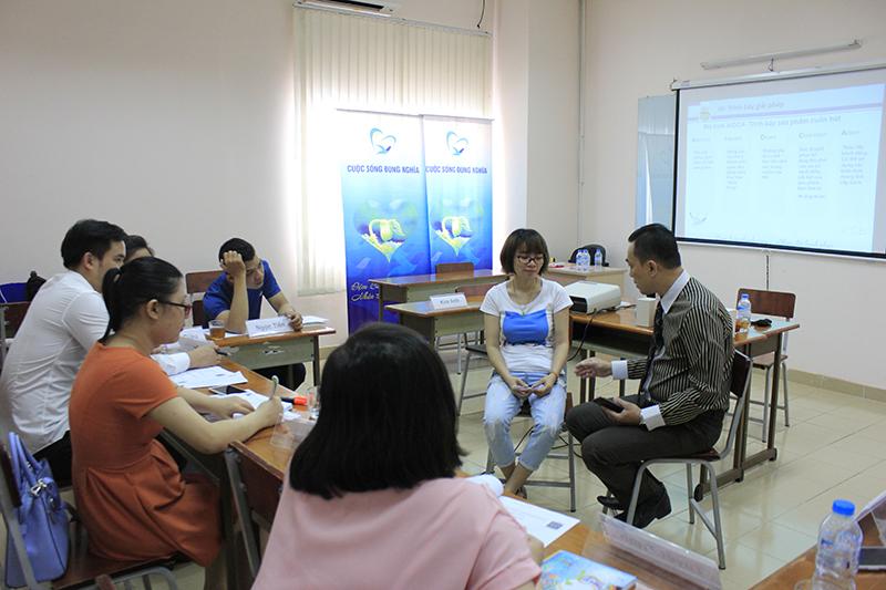 """Đào Tạo Public Hồ Chí Minh: """"Kỹ năng bán hàng và Chăm sóc khách hàng chuyên nghiệp"""""""