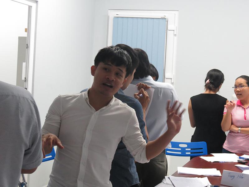 dao-tao-ky-nang-ban-hang-cskh-hcm9