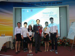 dao tao ky nang thuyet 11 300x225 Chương trình đào tạo  Thuyết Sao Cho Phục Cho CLB Nhân Sự của Trường Đại Học Kinh Tế TPHCM