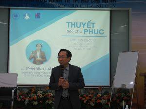 dao tao ky nang thuyet 2 300x225 Chương trình đào tạo  Thuyết Sao Cho Phục Cho CLB Nhân Sự của Trường Đại Học Kinh Tế TPHCM