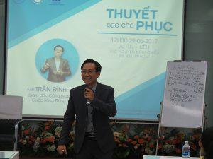 dao tao ky nang thuyet 7 300x225 Chương trình đào tạo  Thuyết Sao Cho Phục Cho CLB Nhân Sự của Trường Đại Học Kinh Tế TPHCM