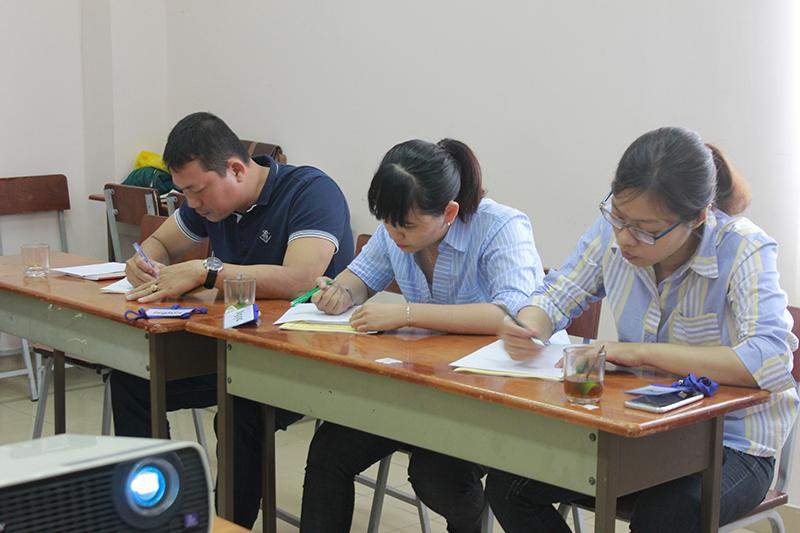 dao-tao-ky-nang-ban-hang-cskh-hieu-qua-hcm6