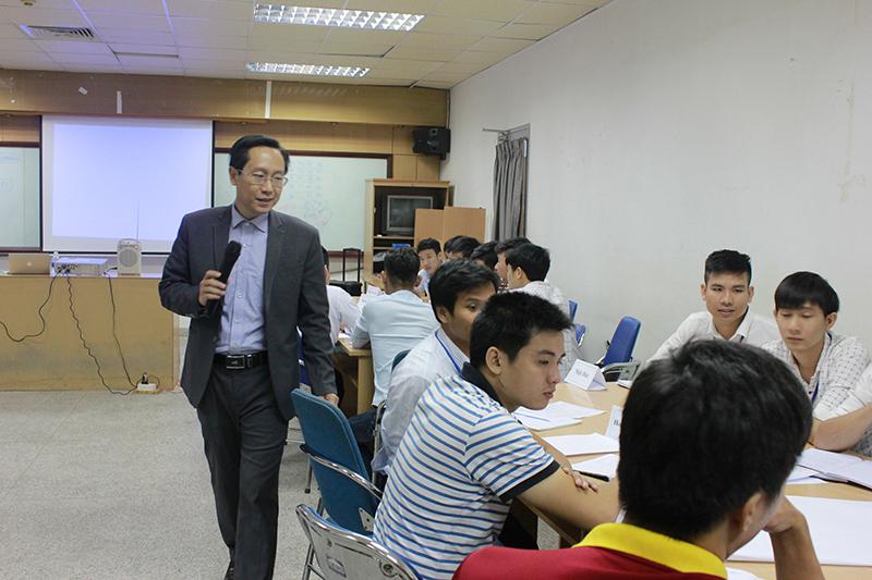 dao-tao-ky-nang-ban-hang-hieu-qua-cho-uni-president-lop15