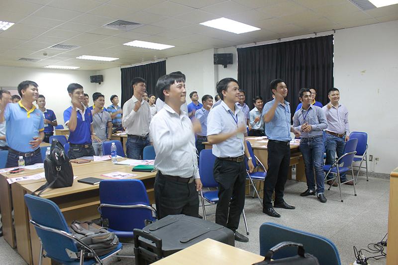 dao-tao-ky-nang-ban-hang-hieu-qua-cho-uni-president-lop39
