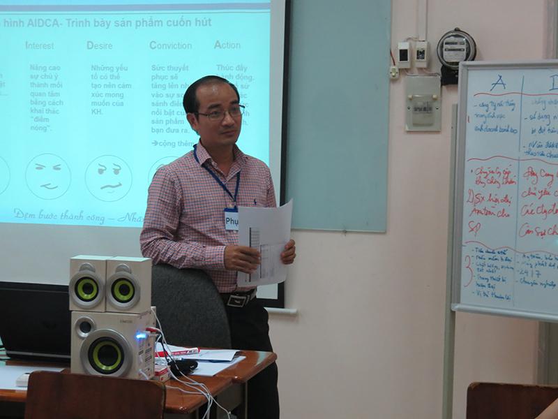 dao-tao-ky-nang-ban-hang-cskh-hcm-09-095