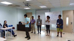 dao tao ky nang giao tiep thuyet trinh ha noi 09 092 300x168 Đào tạo Public: Kỹ năng giao tiếp và thuyết trình tại Hà Nội