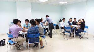 dao tao ky nang giao tiep thuyet trinh ha noi 09 094 300x168 Đào tạo Public: Kỹ năng giao tiếp và thuyết trình tại Hà Nội