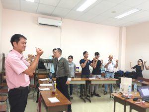 """dao tao ky nang giao yiep thuyet trinh 5 300x225 Đào tạo public: """"Kỹ Năng Giao Tiếp Và Thuyết Trình Thuyết Phục"""" tại Hồ Chí Minh"""