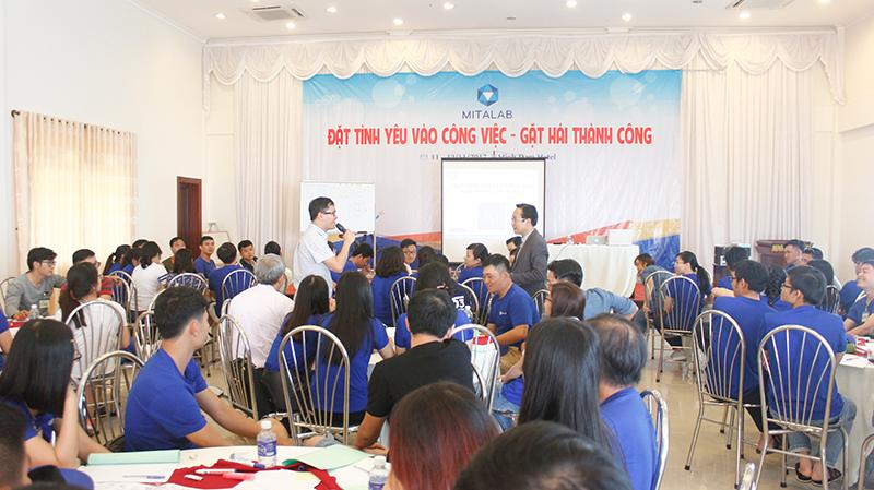 dao tao ky nang dat tinh yeu vao cong 8 Chương trình đào tạo cho Công Ty TNHH Thiết Bị Minh Tâm