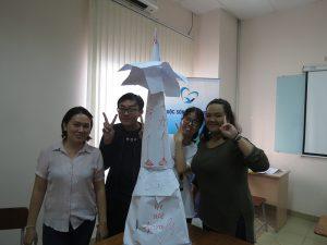 dao tao ky nang lam viec nhom8 300x225 Chương trình đào tạo cho Cửa Hàng Trà Sữa Nhí