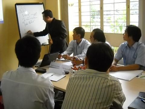 Đào Tạo Kỹ Năng Bán Hàng Cho Công Ty CP Mỹ Phẩm Việt