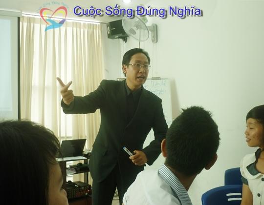 Dao Tao Ky Nang Giao Tiep Tai Hoc Duong