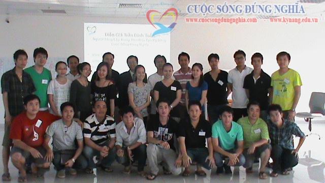 """Đào tạo """"Kỹ năng bán hàng"""" cho Sacombank Chi nhánh Lào"""
