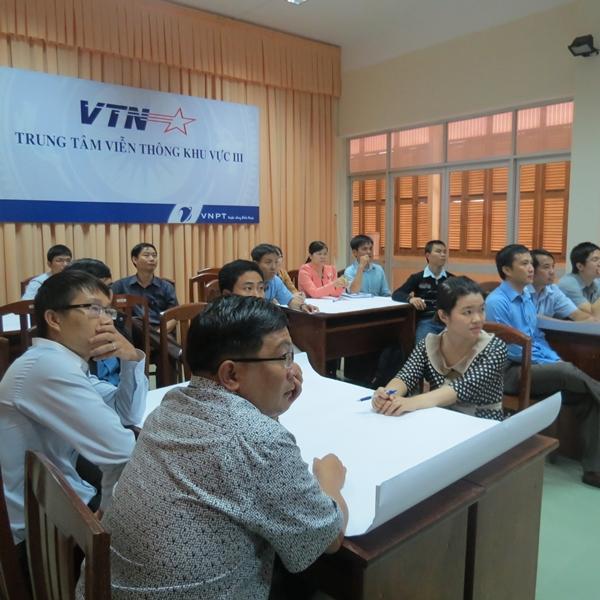 Đào tạo kỹ năng giao tiếp và Trình bày thuyết phục trong bán hàng cho VTN3