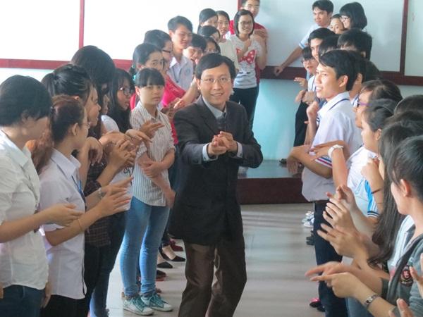 dao-tao-giao-tiep-dh-ktluat (5)