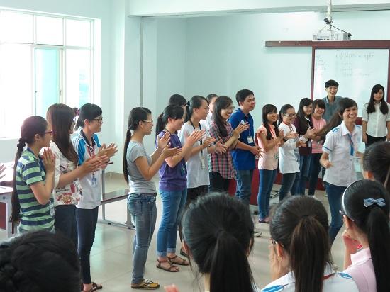 """Chương trình """"Hội Nhập Môi Trường Doanh Nghiệp"""" cho các Bạn Sinh Viên Đại học Kinh Tế- Luật TPHCM"""