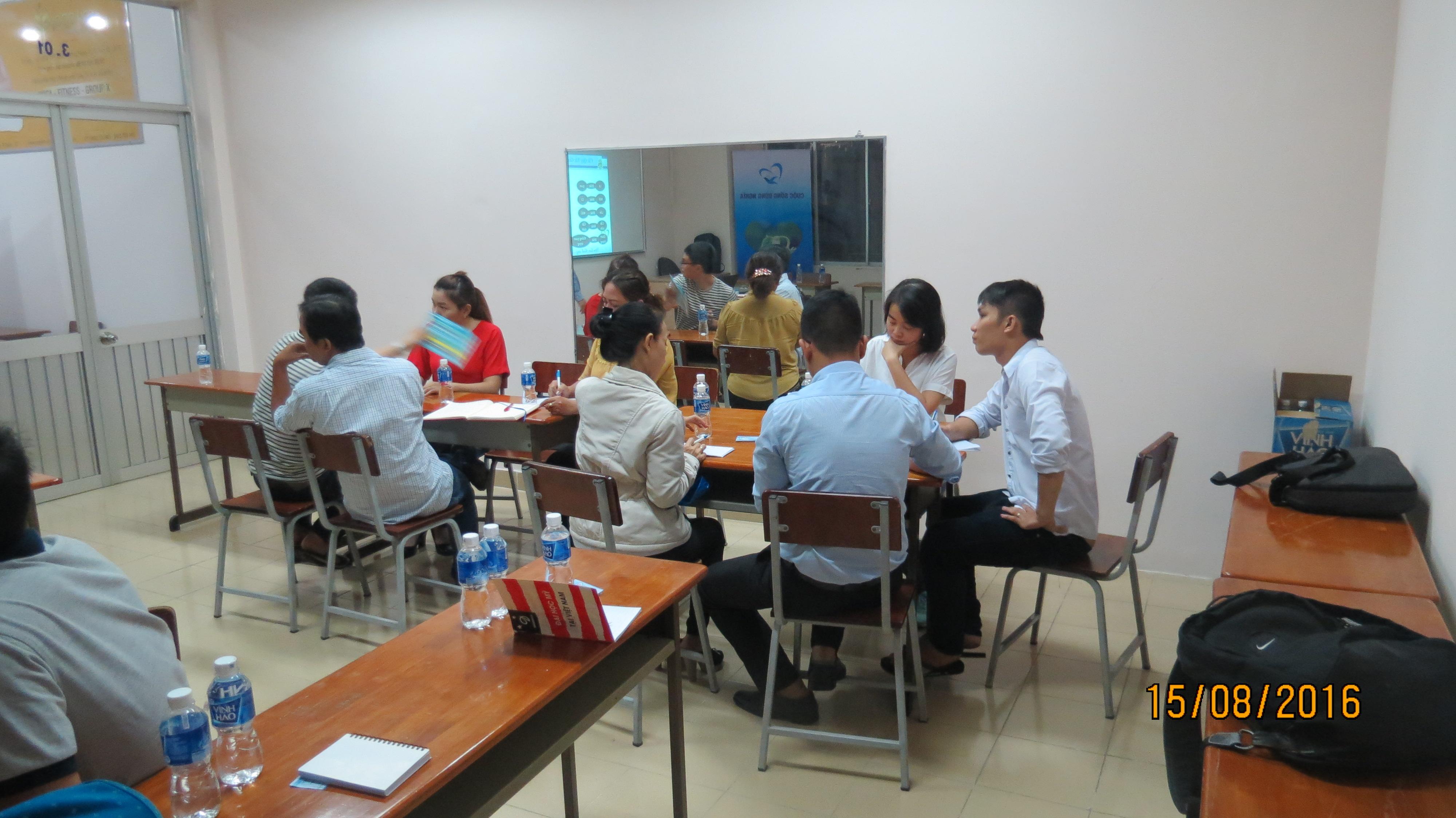 """Đào tạo """"Kỹ năng giao tiếp và thuyết trình thuyết phục"""" học viên TP.HCM ngày 15-06-2016"""