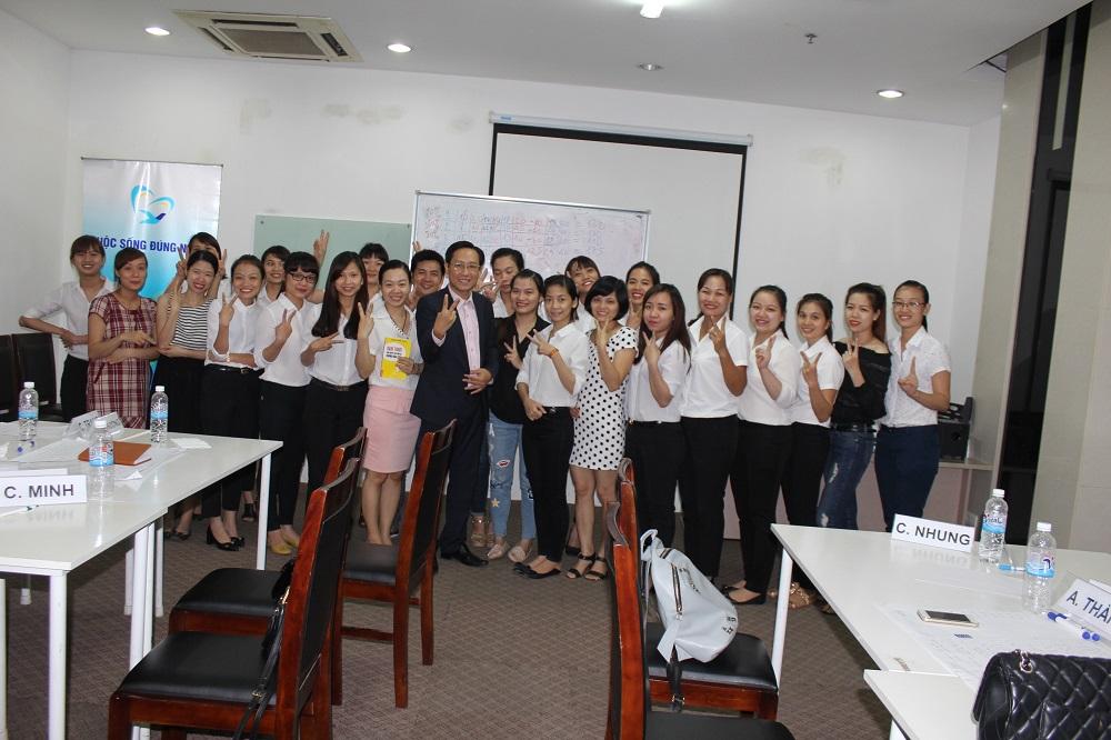 Đào tạo cho TNG lần 5: Kỹ năng giao tiếp và bán hàng